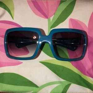 Women's Authentic Burberry sunglasses